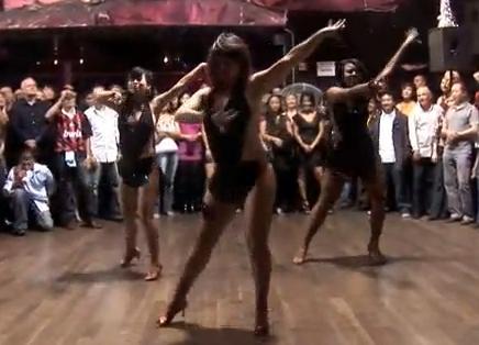 Lady Mambo Video 1