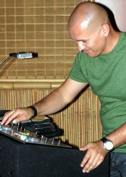 DJ Santos Lopez